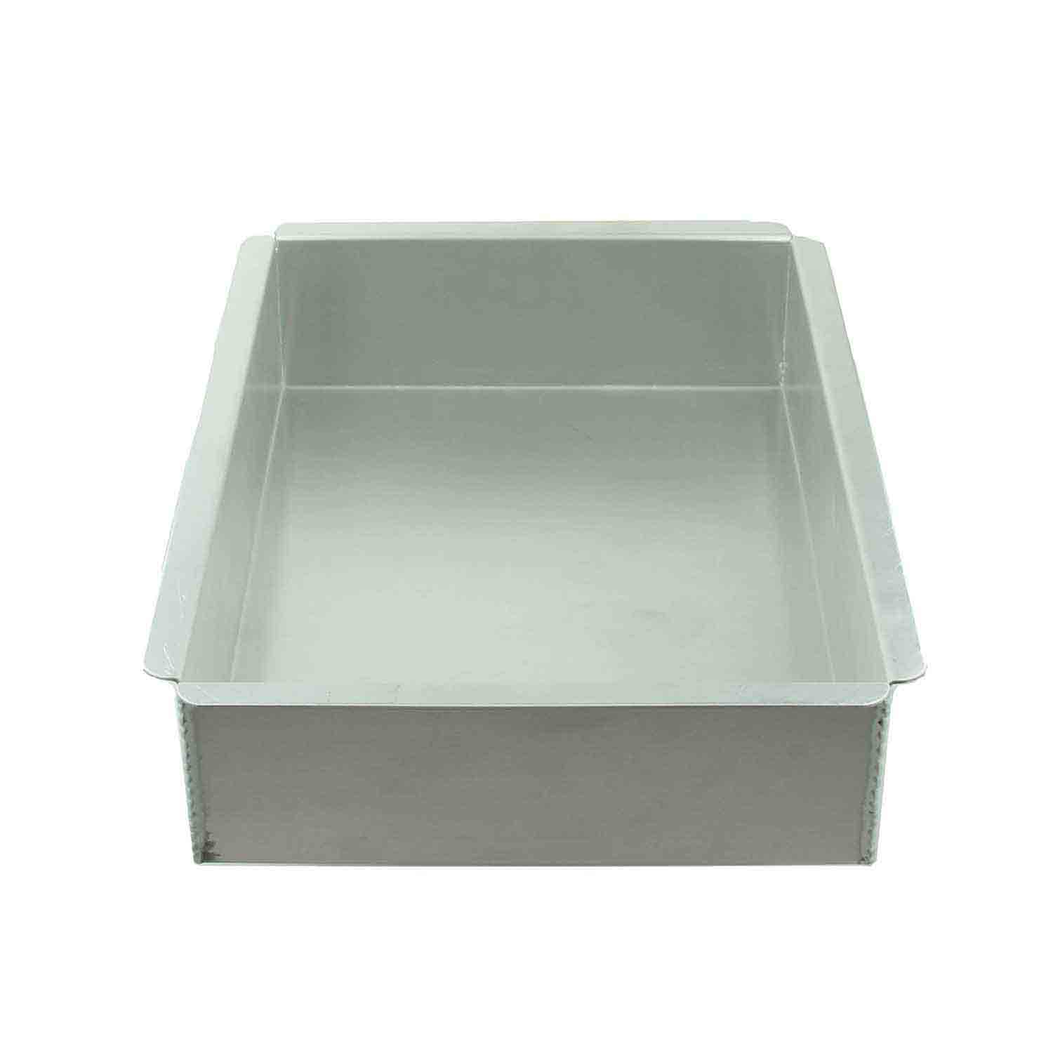 "9 x 13 x 3"" Magic Line Quarter Sheet Cake Pan"