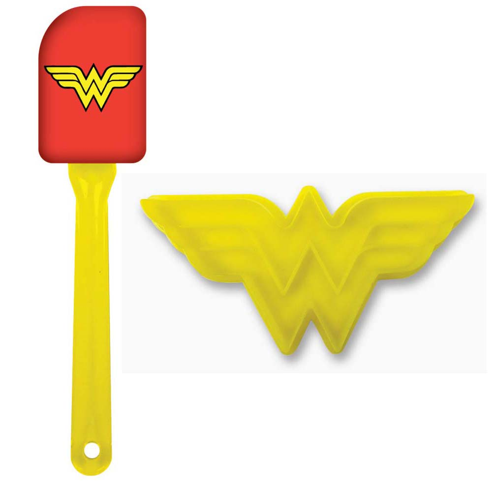 Wonder Woman Cookie Cutter and Spatula Set