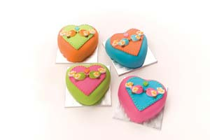Love Birds Heart Cakes