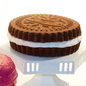 Sandwich Cookie Cake