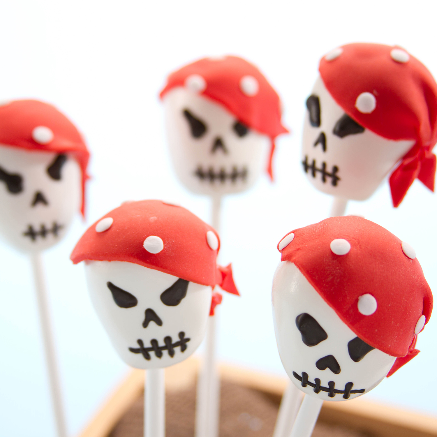 Skull Pirate Cake Pops