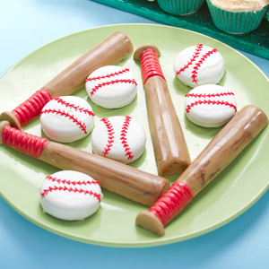 Candy Bats and Dipped Sandwich Cookies Baseballs