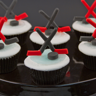 Hockey Cupcakes Country Kitchen SweetArt Cake, Candy and ...