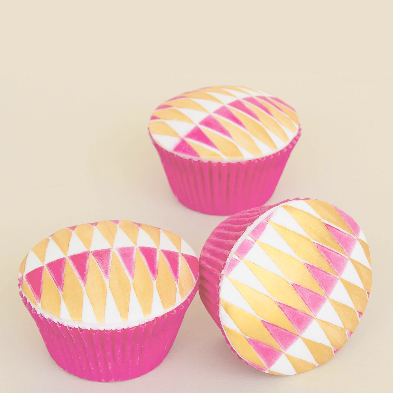 Gold & Pink Triangle Cupcakes