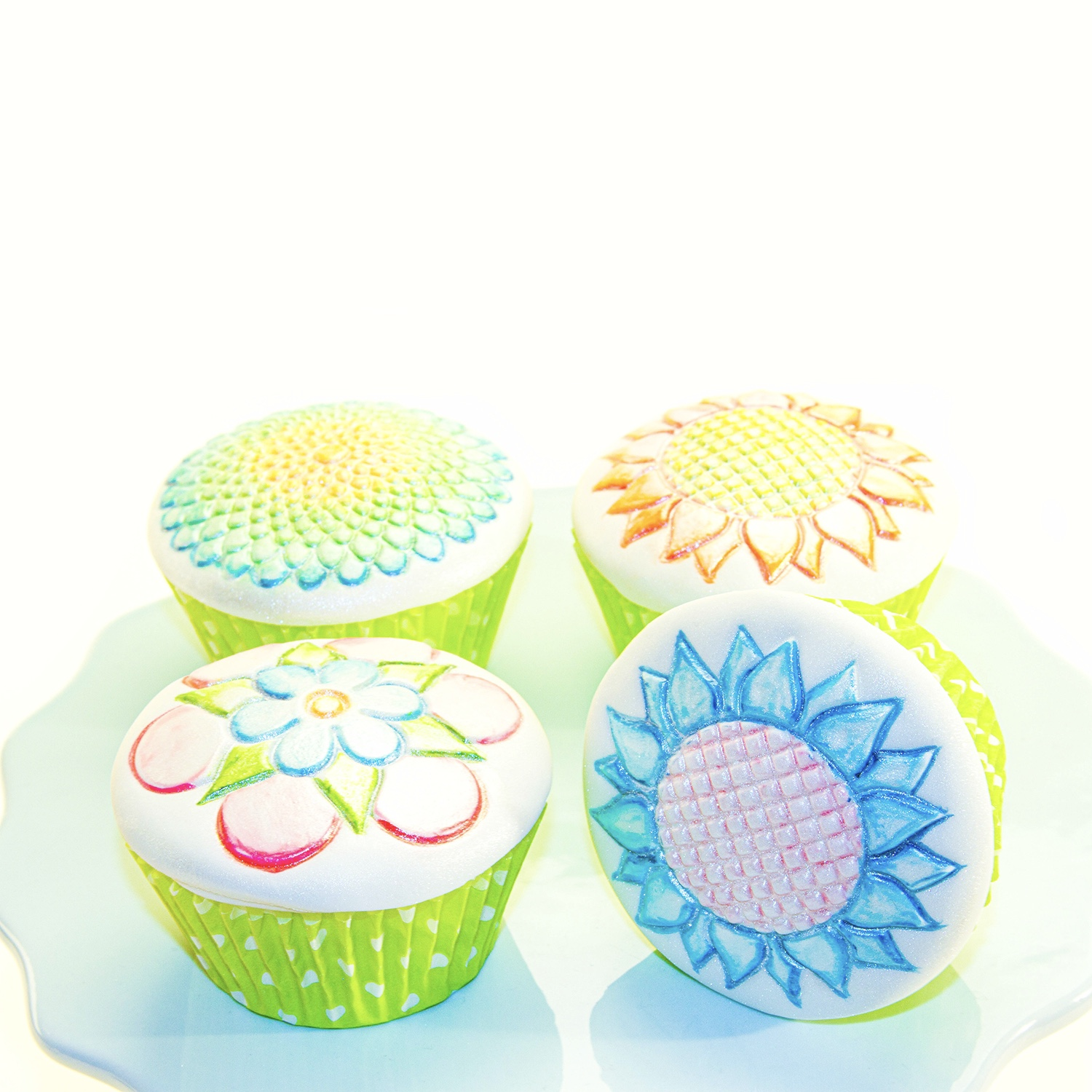 Sparkly Whimsy Bloom Cupcakes
