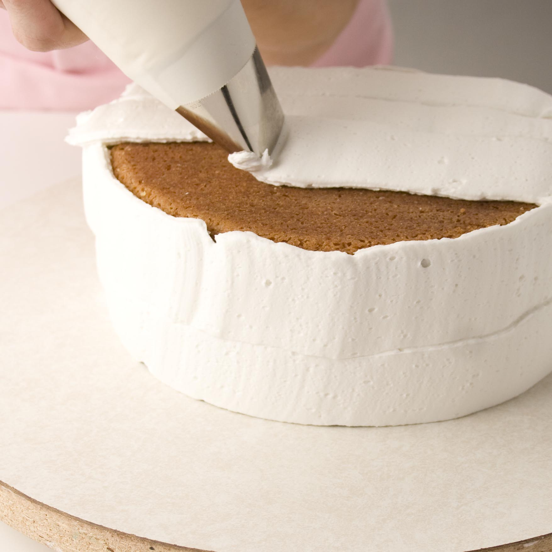 Icing a Cake- Quick Icer Method