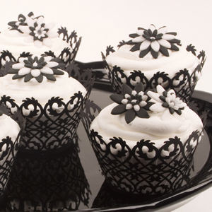 Black and White Flower Cupcakes | Country Kitchen SweetArt Cake ...