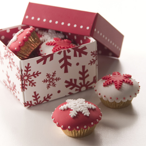 Red and White Snowflake Mini Cupcakes