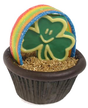 Easy Shamrock and Rainbow Cupcake